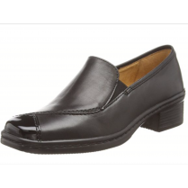 Black leather/patent heeled slip on shoe