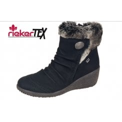 Black leather gortex waterproof ankle boot with lambswool lining